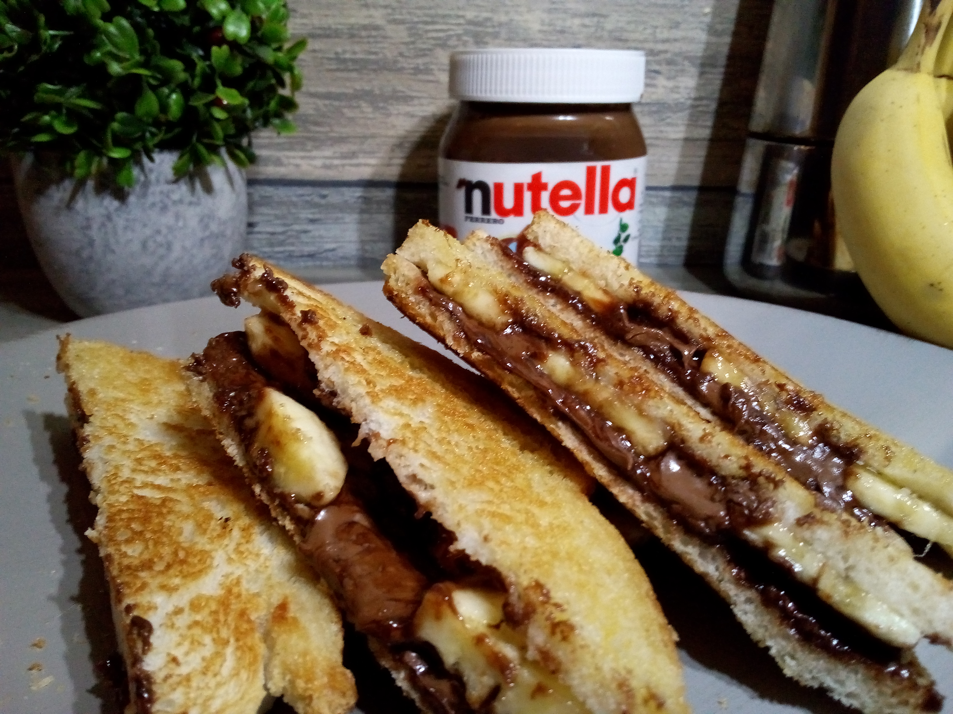Nutella and banana grilled sandwich